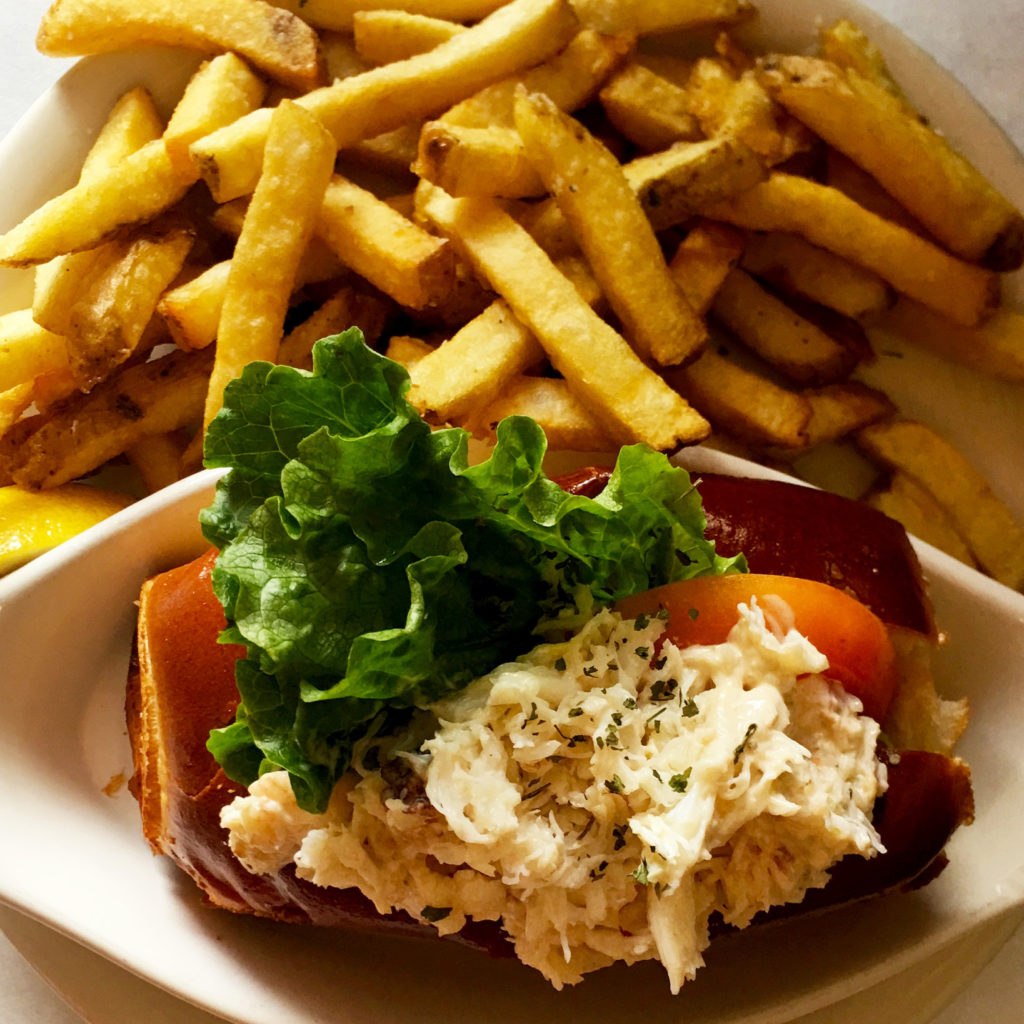 Cracked Crab - Lobster Roll