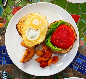 Robin's Restaurant - Breakfast Sandwich